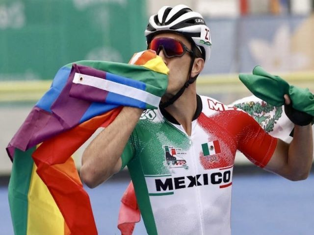 """Jorge Luis Martínez, el mexicano que ondeó la bandera LGBT en los Juegos Panamericanos: """"Soy gay y estoy muy orgulloso de poder decirlo"""""""