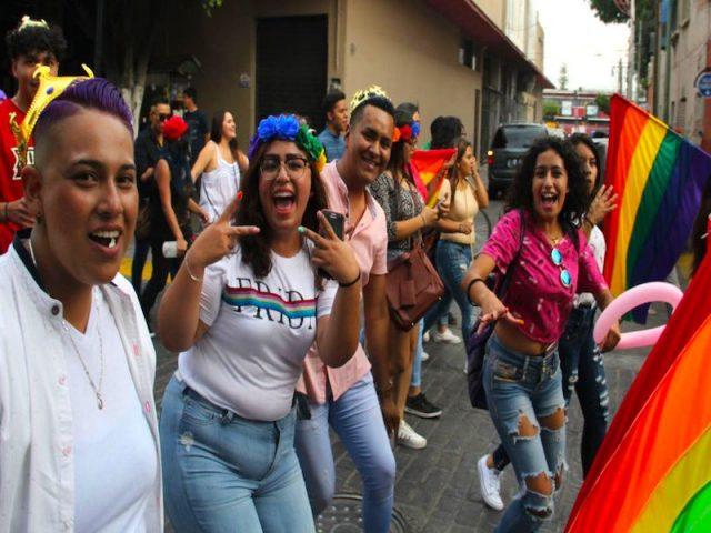 Celebran en Tacones la marcha gay 'Pride León' rompiendo récord de asistencia